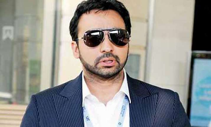 kundra hits out at media after questioning in ipl scandal