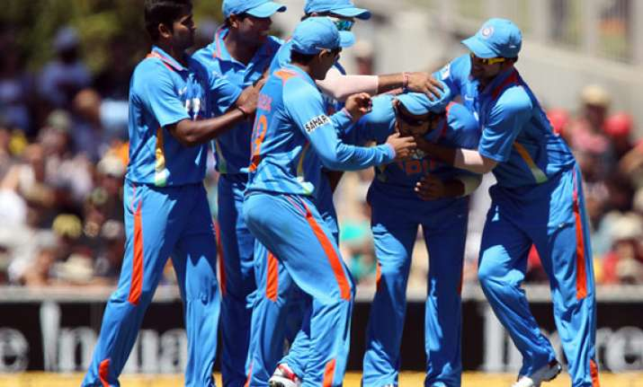 lankan test awaits dhoni less india in tri series