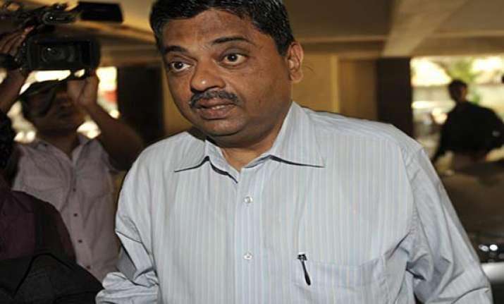 mca slaps 5 year ban on ratnakar shetty for making false