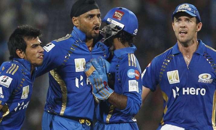 mumbai indians win clt20 beating rcb by 31 runs