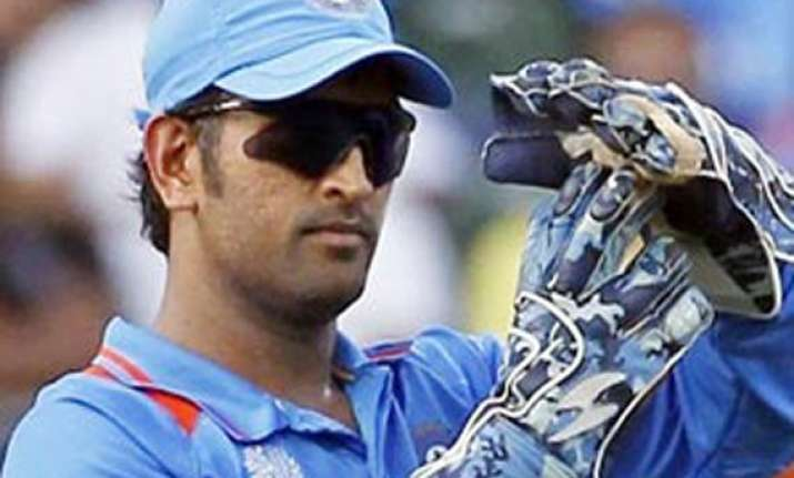 ms dhoni mends fences with curator calls him boss of eden