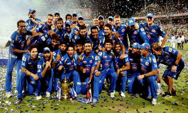 majority of internationals prefer to play for ipl teams