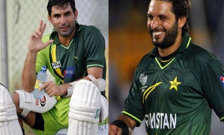 misbah afridi among 5 awarded top pcb contracts