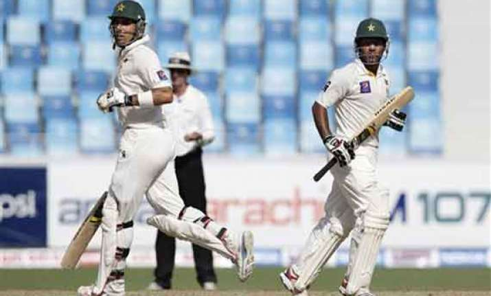 misbah warns pakistan not to get unworried
