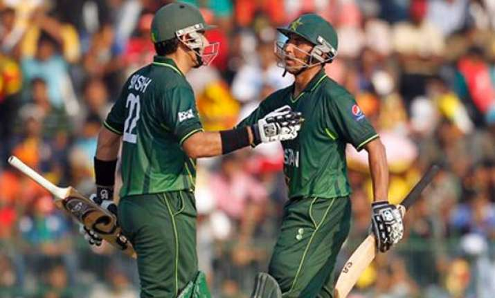 afridi shines with ball in pakistan s thrilling win over