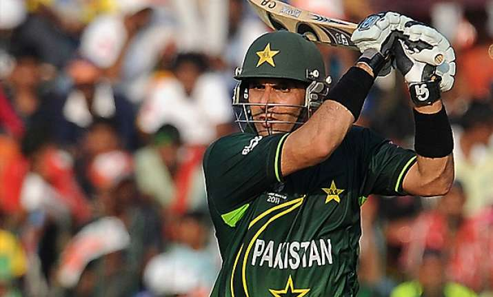 misbah backs pcb to appoint batting coach