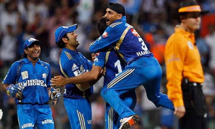 mumbai eying encore of 2010 final with win over rcb