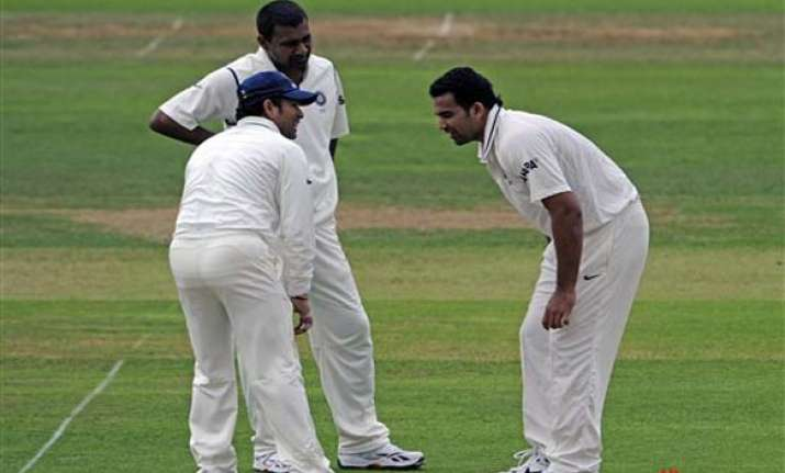munaf or sreesanth may replace injured zaheer