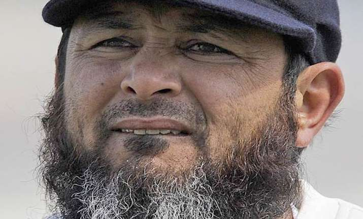mushtaq ahmed appointed pakistan s spin bowling coach