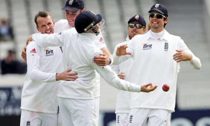 nz barely surviving at 68 3 vs england on day 4