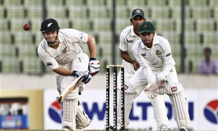 bangladesh 269 3 leads by 114 runs against new zealand