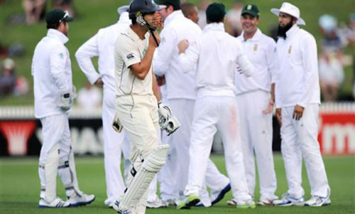vernon philander on fire as south africa turn screw on day