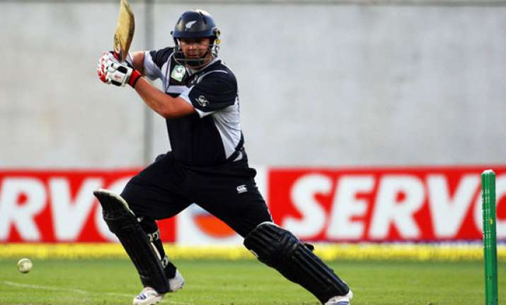sri lanka beats kiwis by 7 wickets in 3rd odi