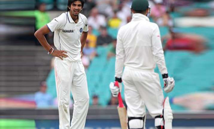 now ishant reportedly shows middle finger to fans