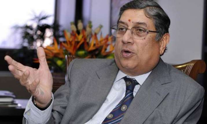 officials former players ask bcci to follow sc order