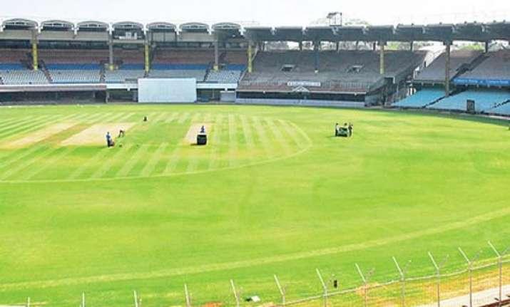 overnight rains in chennai delay day 2 of match
