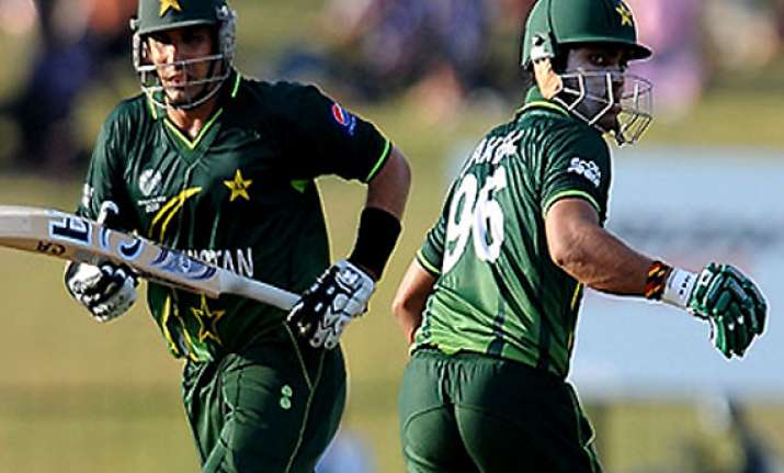 pak bowlers sink bangladesh to record t20 win