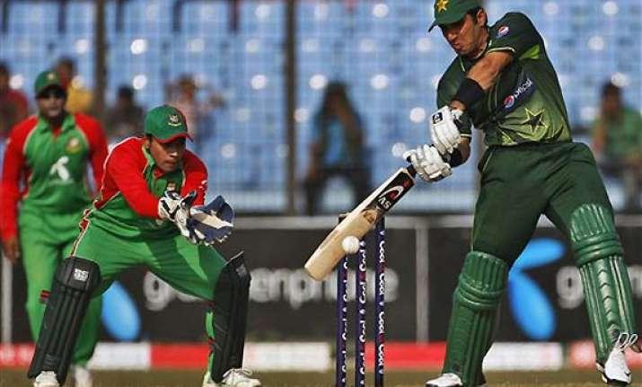 pakistan make clean sweep beat bangladesh in last odi