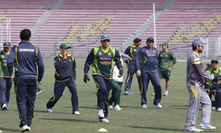 pakistan starts defence of asia cup against sri lanka