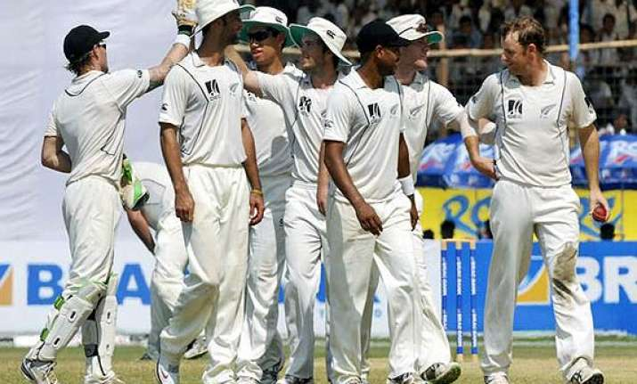 pakistan to host new zealand in 3 test series in november