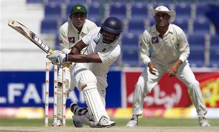 pakistan beats sri lanka by 9 wickets in 2nd test