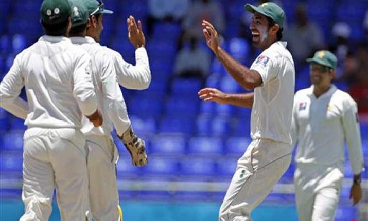 pakistan wins second test levels series 1 1