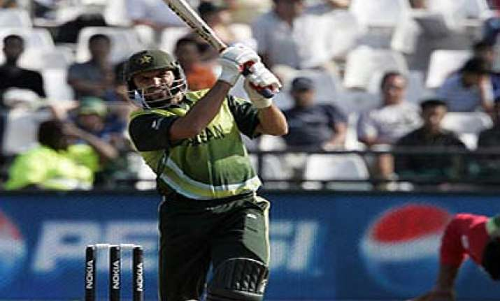pakistan beats bangladesh by 89 runs in warmup