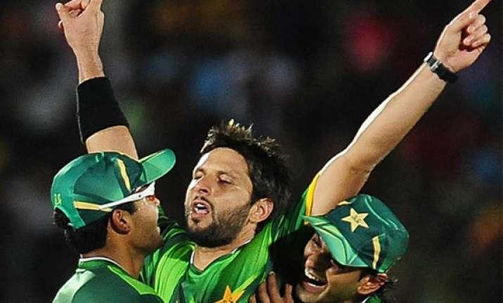 pakistan beat sri lanka in second t20 international
