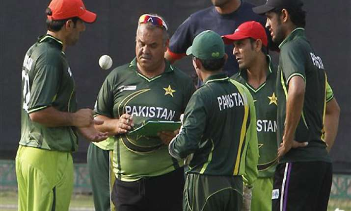 pakistan coach hopes ppl attracts foreign players