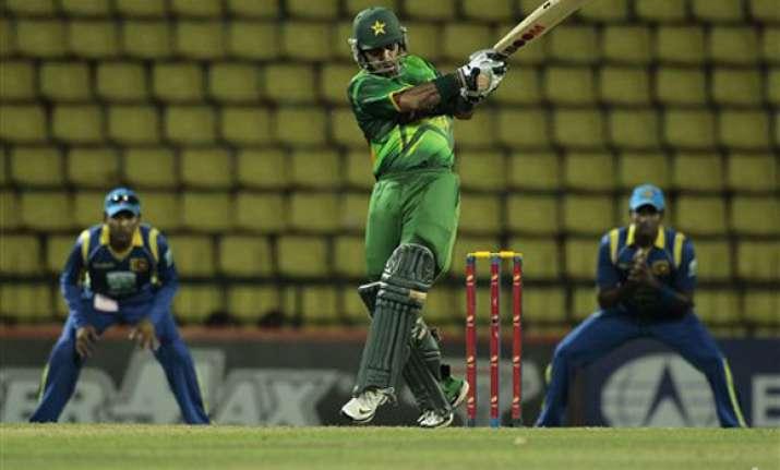 pakistan beats sri lanka by 6 wickets in 1st odi