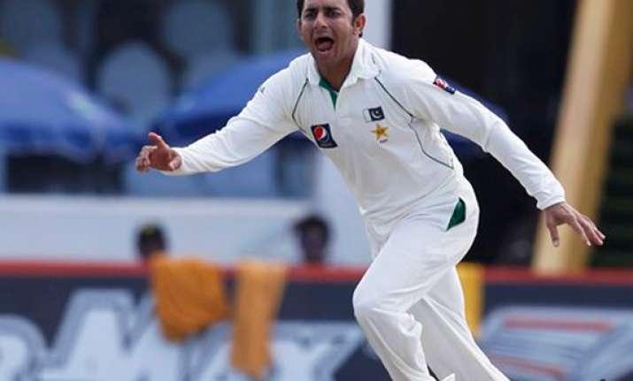 sri lanka thump pakistan by 209 runs in first test