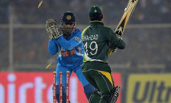 ind pak t20 india beat pak by 11 runs level series 1 1