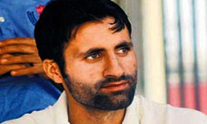 parvez rasool honoured outstanding sportsperson in j k