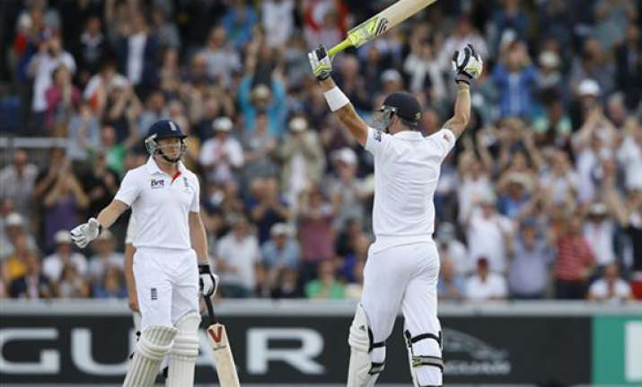 ashes england avoid follow on in 3rd test