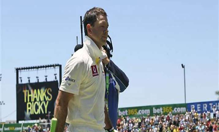 ponting out for 8 in his last test innings