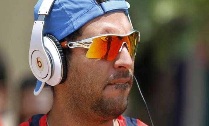rcb buy yuvraj singh for rs 14 crores in ipl 7 auction