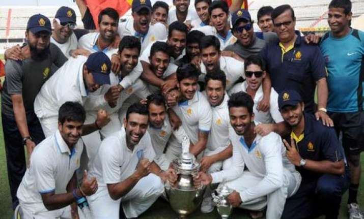 ranji winning karnataka team takes home rs 1 crore reward