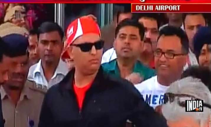 recovering yuvraj returns to warm welcome