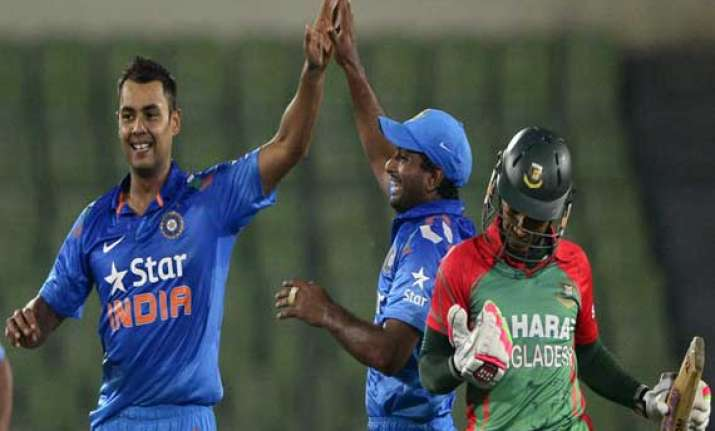 binny s record 6/4 helps india clinch odi series