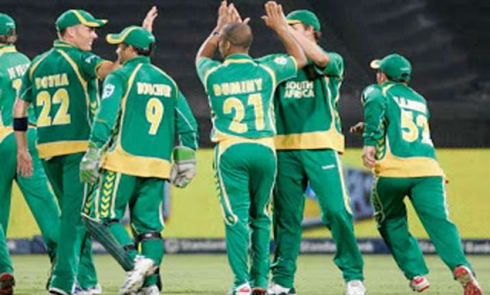 safrica tries to extend away record vs pakistan