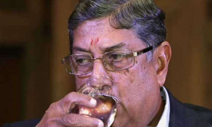 srinivasan can t head bcci till he gets clean chit in ipl