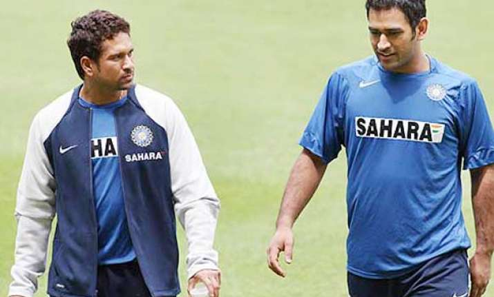 sachin dhoni arrive for wc match against england