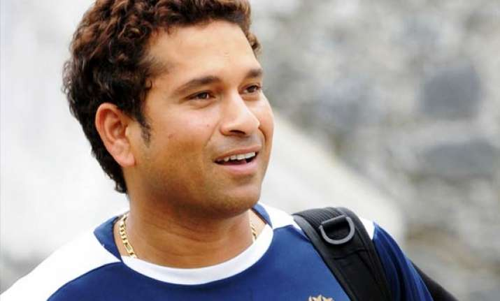 sachin tendulkar to get 100 gold coins from mca for 100th