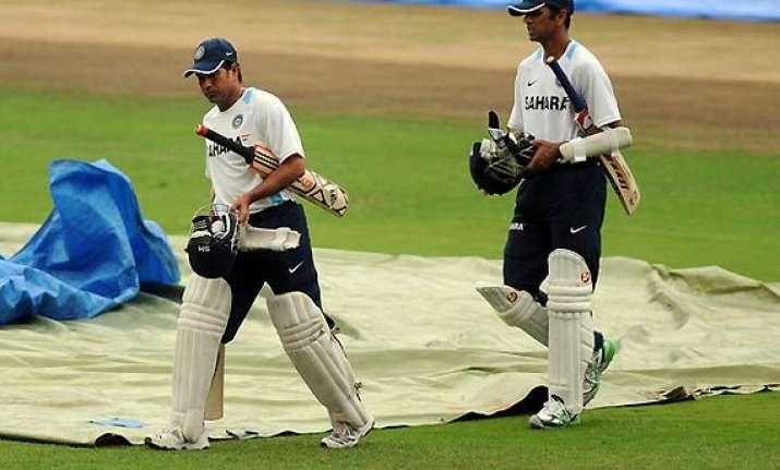 sachin tendulkar rahul dravid lose a place each in icc test