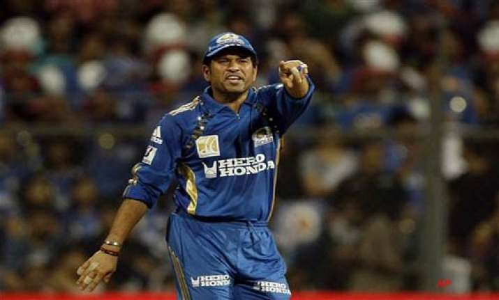 sachin to go to germany for shoulder treatment