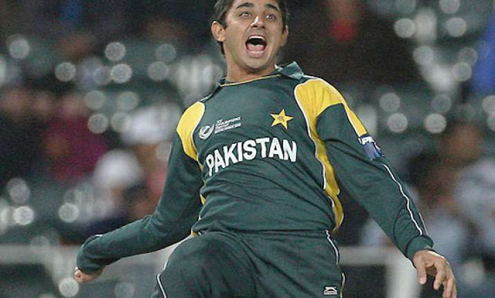 saeed ajmal joins adelaide strikers in bbl
