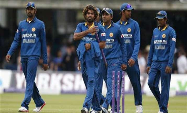 sri lanka beats england in 4th odi forces decider