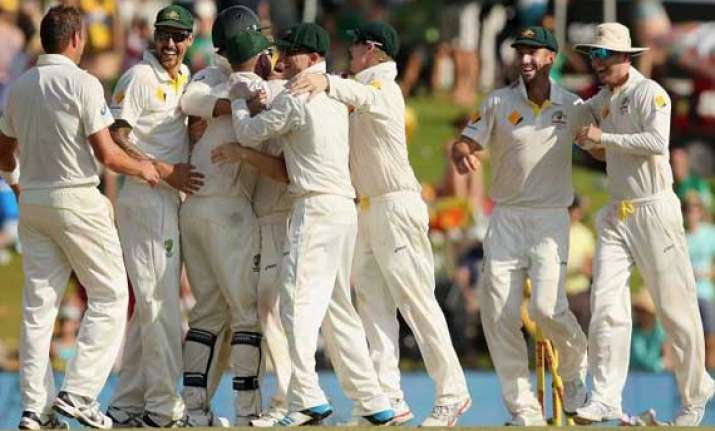 second test day 1 aussies take late wickets south africa