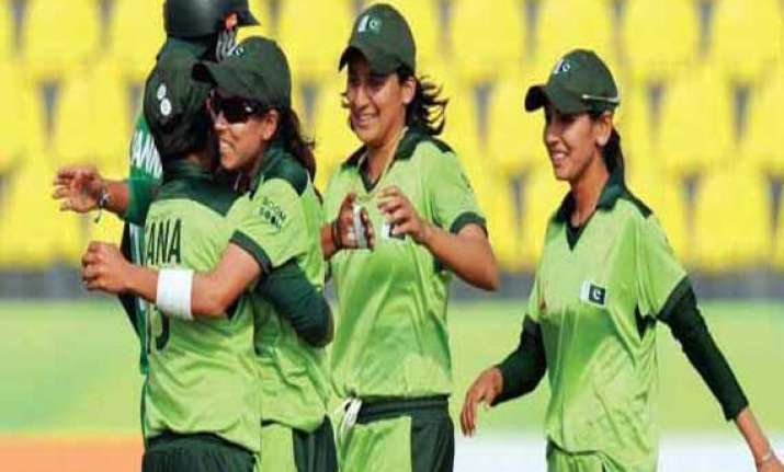 sex scandal 5 pak women cricketers banned for six months