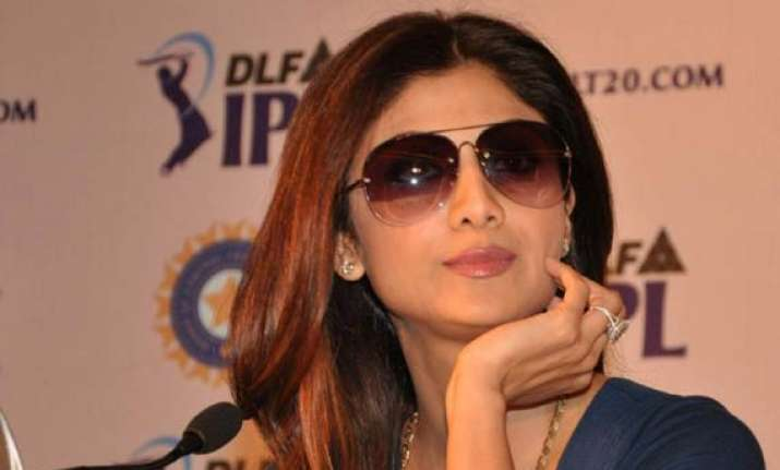shilpa s cellphone stolen during ipl match